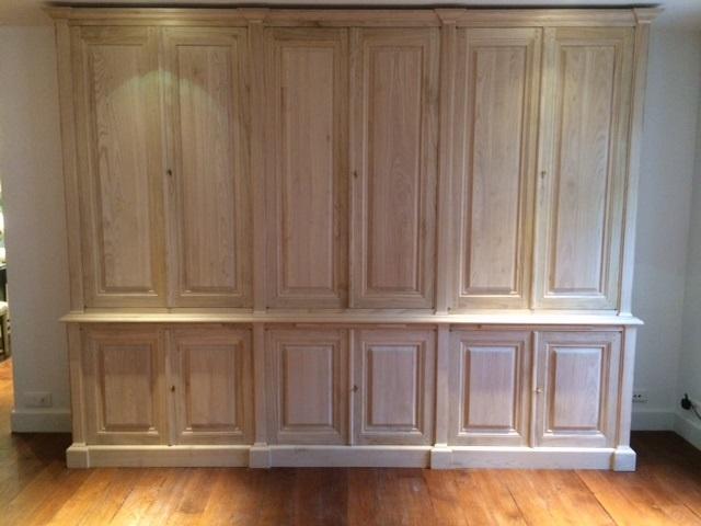 important vaisselier pour cuisine. Black Bedroom Furniture Sets. Home Design Ideas