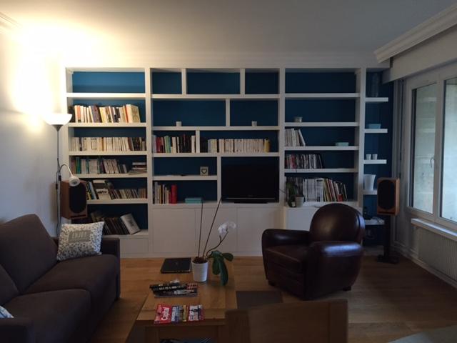 Bibliothèque tv après peinture