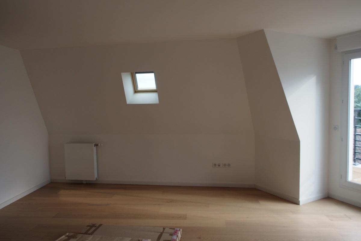 latest interesting meuble pour mansarde destin et meuble bas sur mesure sous un toit mansard. Black Bedroom Furniture Sets. Home Design Ideas