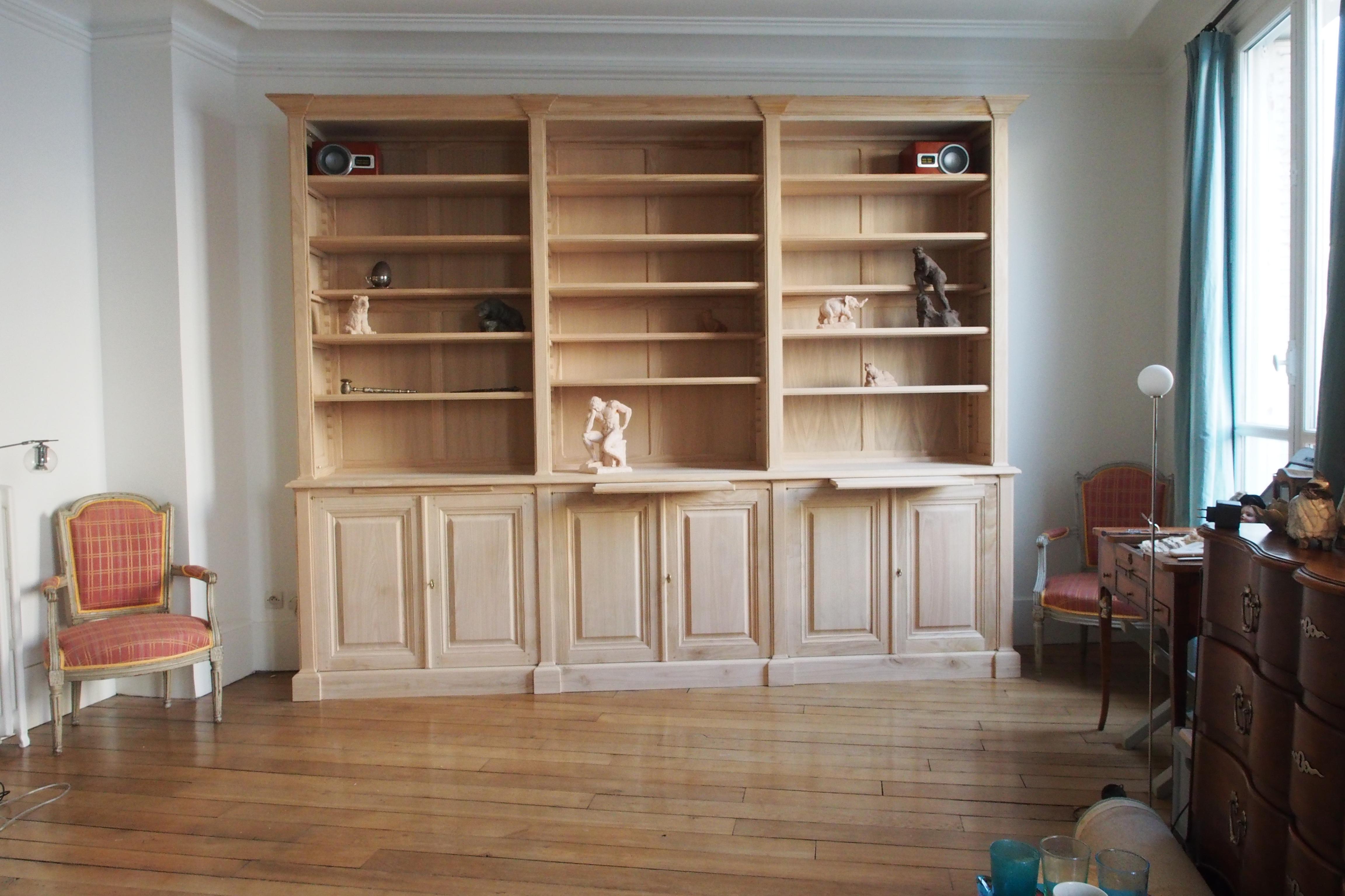 importante biblioth que de boiserie de style n o classique. Black Bedroom Furniture Sets. Home Design Ideas