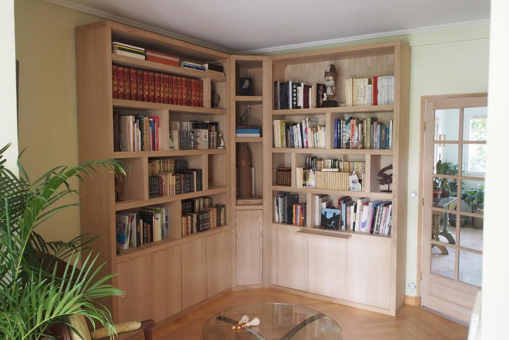 biblioth que d 39 angle contemporaine avec clairage. Black Bedroom Furniture Sets. Home Design Ideas